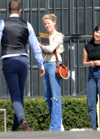 Amber Heard - heads to a business meeting  October 10 2018 Fdy6Ubf5_t