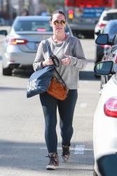 Jennifer Love Hewitt - Leaving a gym in Studio City 11/6/2018 EEVRM0Yx_t