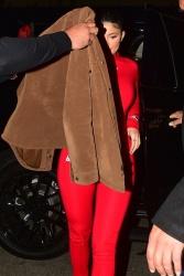 Kylie Jenner 484nYUyg_t