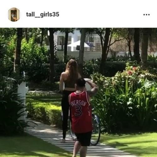Tall women naked pics
