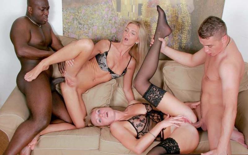 Carmeron Gold, Ulrika - Two hot sluts enjoy in group sex [FullHD 1080P]