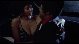 Pam Grier / Marilyn Joi / Leslie McRay / others / Coffy / topless / (US 1973)  3VGa07mm_t