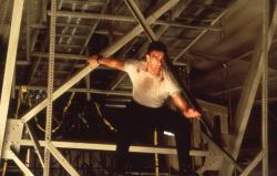 Внезапная смерть / Sudden Death; Жан-Клод Ван Дамм (Jean-Claude Van Damme), 1995 MYptktXL_t