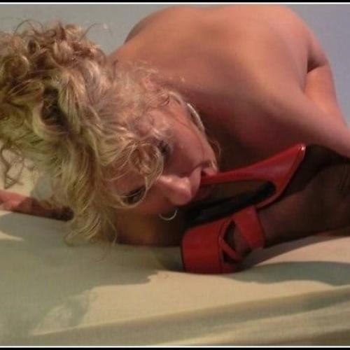 Lesbian dirty foot slave
