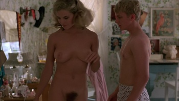 Kelly Preston / Mischief / nude / sex / (US 1985) Dsda6gnA_t