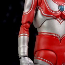 Ultraman (S.H. Figuarts / Bandai) - Page 5 GizNbjtV_t