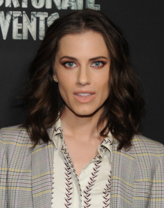 Allison Williams A series of unforutunate events 55
