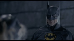 Batman - Il ritorno (1992) .mkv UHD VU 2160p HEVC HDR TrueHD 7.1 ENG AC3 5.1 ITA ENG