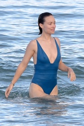 Olivia Wilde at a Beach in Hawaii - 11/23/17