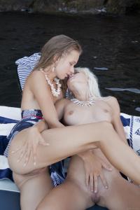 Milena D & Nika N - Initte