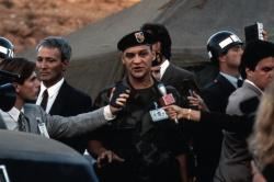 Универсальный солдат / Universal Soldier; Жан-Клод Ван Дамм (Jean-Claude Van Damme), Дольф Лундгрен (Dolph Lundgren), 1992 - Страница 2 DhsyuQhx_t