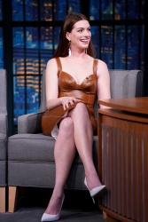Anne Hathaway attends Late Night With Seth Meyers 01/23/2019