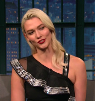 Karlie Kloss 2017-12-19 Late Night Seth Meyers video HD 720p