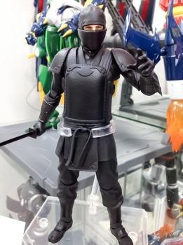 MAFEX  Batman Begins : Bruce Wayne, Ra's al Ghul - Mafex (Medicom Toys) D2QvSpFW_t