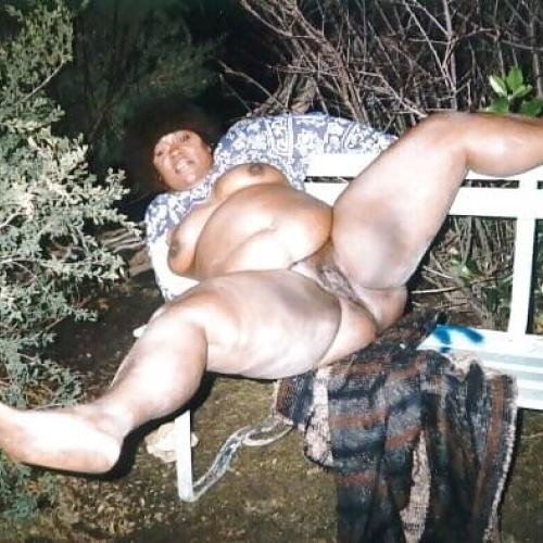 Naked black mature women pics