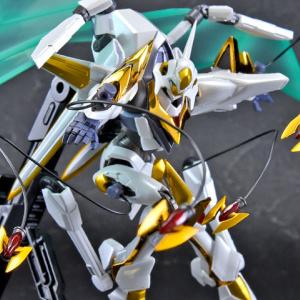 "Gundam : Code Geass - Metal Robot Side KMF ""The Robot Spirits"" (Bandai) - Page 2 IBwo6cb9_t"