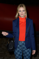 Samara Weaving - Louis Vuitton show during Paris Fashion Week 03/05/2019