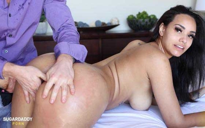 Ivy Steele - I Love Ivy Steele And All That Junk In Her Trunk! OMG! [FullHD 1080P]