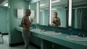 Kristen Stewart , Jessica Henwick   Underwater (2020)   HDRip 1080p