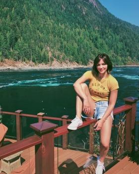 Katharine McPhee - Short Shorts (instagram)