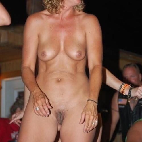 Mature women nude galleries