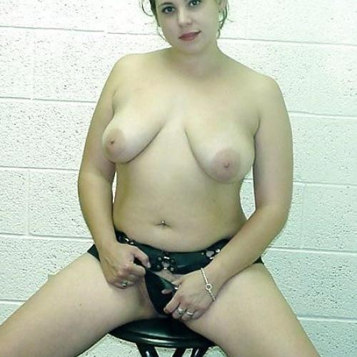 Chubby brunette nude