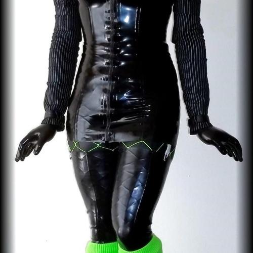 Short black rubber boots