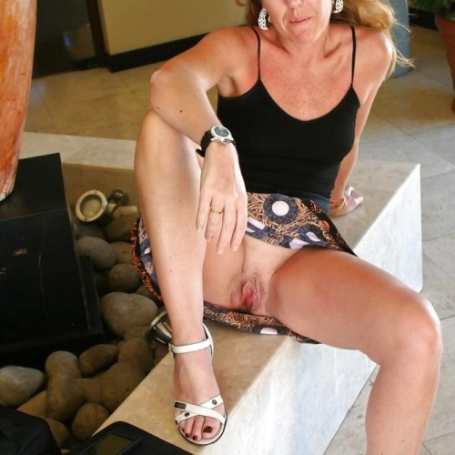 Hot mature wives pics