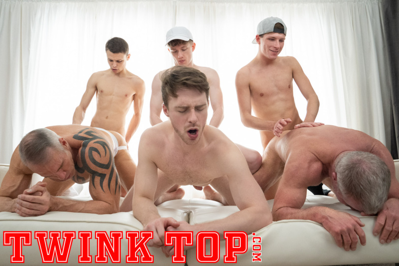 TwinkTop: ALL PLAY: Felix's Team Play – Felix Maze, Austin Young, Lukas Stone, Dale Savage, Dallas Steele & Cole Blue (Bareback)