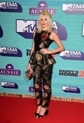 Pixie Lott - 24th MTV Europe Music Awards in London 11/12/17