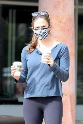 Jennifer Garner - Out for her morning coffee in Malibu 07/10/2020