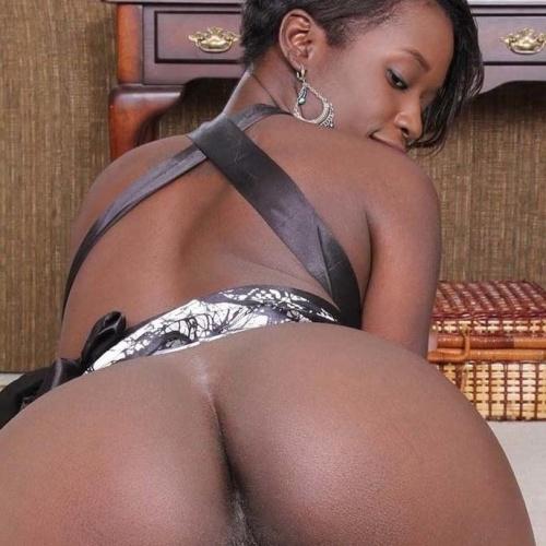 Mature black women xxx
