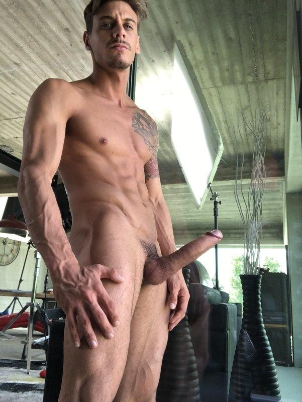 OnlyFans: Chris Diamond (chrisdiamond_x)[108 Videos]