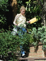 Amber Heard - heads to a business meeting  October 10 2018 Yem9eQ7I_t