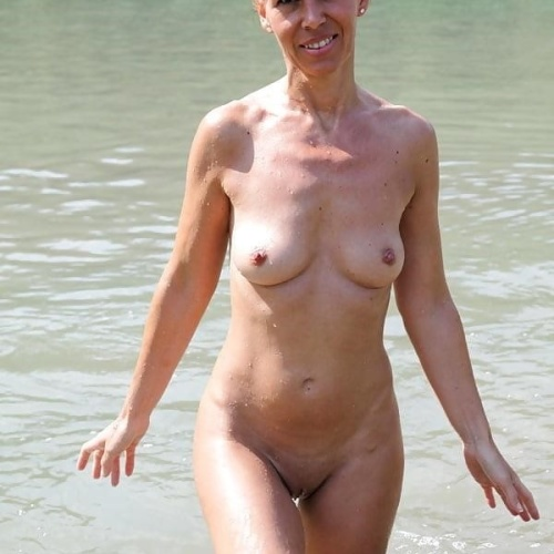 Mature housewives nude pics