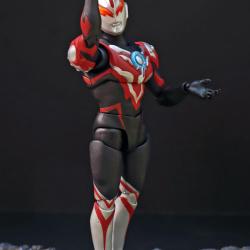 Ultraman (S.H. Figuarts / Bandai) - Page 6 Bb7vZ6oW_t