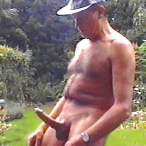 Amateur outdoor nude pics
