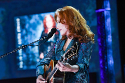 Bonnie Raitt - The Late Show with Stephen Colbert: May 8th 2019