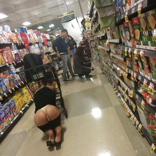Hot girl strips naked in public