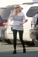 Kirsten Dunst - leaving an office building in Santa Monica 12/20/17