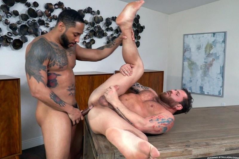RagingStallion – Loaded: Muscle Fuck! – Riley Mitchel, Jaxx Maxim (Bareback)