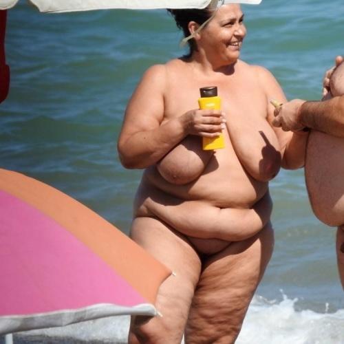 Mature nude beach pic