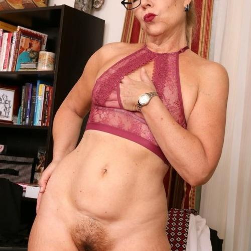 Mature vagina porn pics