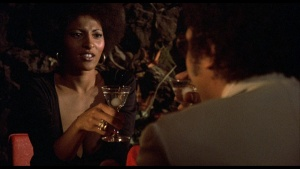 Pam Grier / Marilyn Joi / Leslie McRay / others / Coffy / topless / (US 1973)  QNcppOIA_t