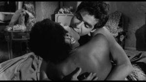 Geraldine Fitzgerald / Thelma Oliver / The Pawnbroker / topless / (US 1964) BUmTjlQx_t