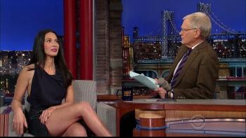 OLIVIA MUNN - *thigh show spectacular* - letterman - Dec 10, 2014 n3CYqb0z_t