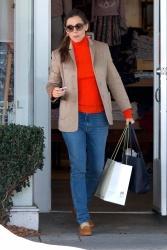 Jennifer Garner - Christmas shopping in Brentwood 12/20/18