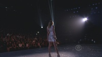 Taylor Swift - I Knew You Were Trouble - Victoria's Secret Fashion Show 2013 1080i