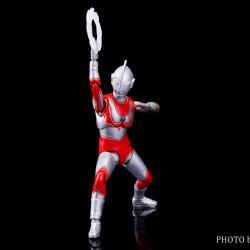 Ultraman (S.H. Figuarts / Bandai) - Page 5 HMb3xwK5_t
