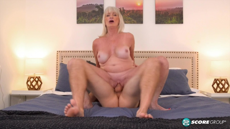 Fat Girl Reverse Cowgirl